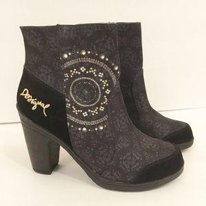 Desigual Black Pattern Ankle Boot Side Zip Sz 38/8